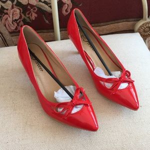 🆕 NWT Forever Red Pumps  Size 6 Heels 👠